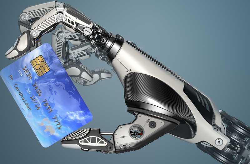 Robothand houdt creditcard vast