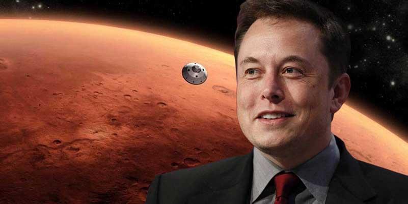 Elon Musk over een foto van Mars en een satelliet