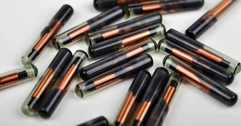 Een close-up van verschillende RFID-chips