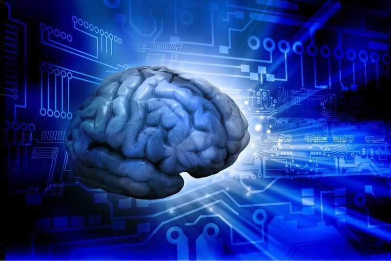 Digitale illustratie van een menselijk brein met blauwe printplaattechniek op de achtergrond