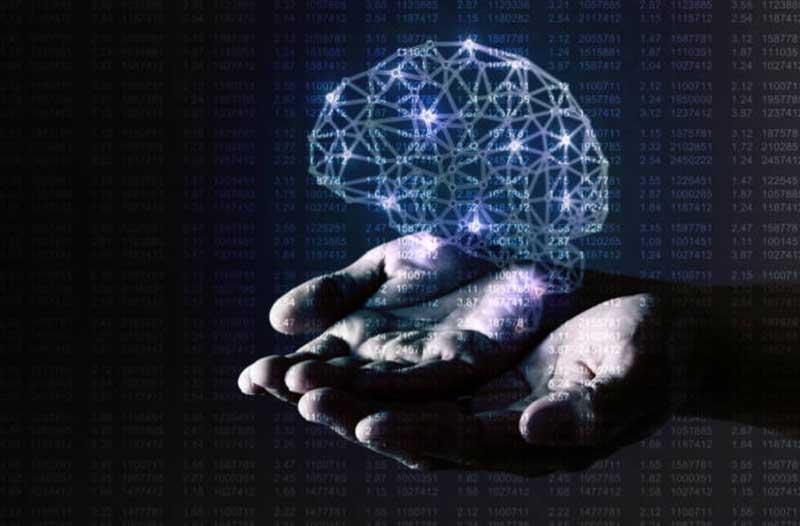 Digitale illustratie van een brein dat boven twee handen zweeft